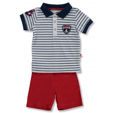 Conjunto pantalón corto rojo y polo rayas marino y blanco