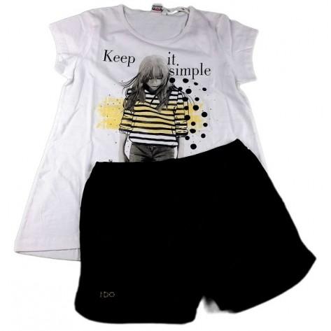 Conjunto pantalón corto negro y camiseta blanca y amarilla