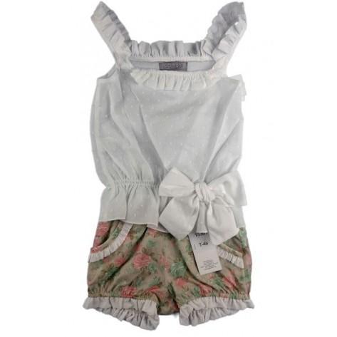 Conjunto short flores y blusa blanca tirantes