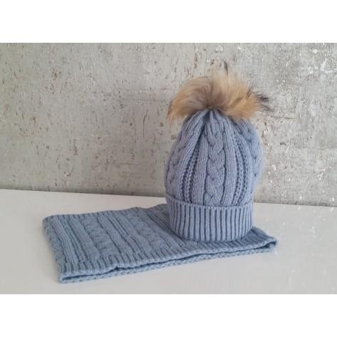Conjunto gorro azul empolvado con pompon pelo y cuello