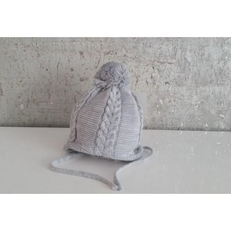 Conjunto gorro gris perla con pompon y bufanda