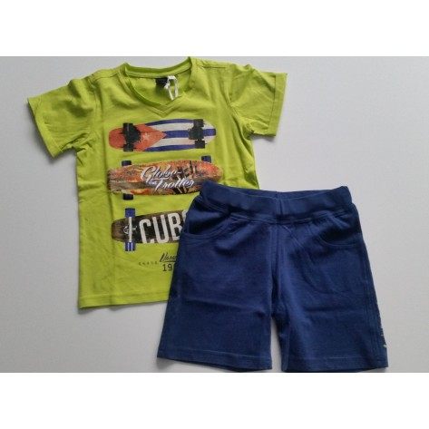 Conjunto sport bermuda marino y camiseta verde