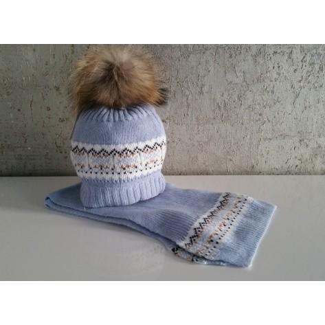 Gorro azul empolvado greca pompon pelo y bufanda