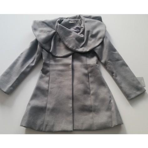 Abrigo mouflon cuello volante gris