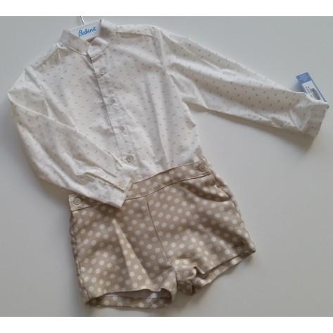 Conjunto pantalón corto camel lunares y camisa plumeti