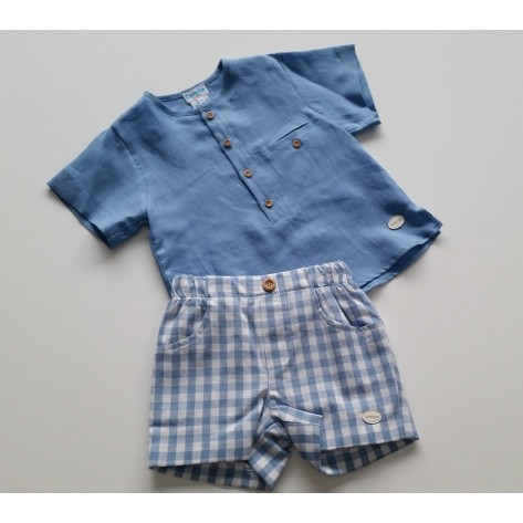 Pantalón corto vichy celeste y blusa azulón