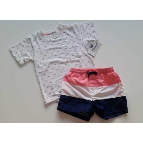 Bañador rosa, blanco y marino y camiseta