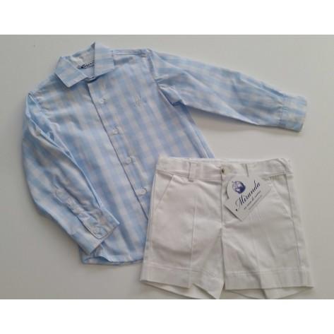 Conjunto bermuda blanca y camisa vichy celeste