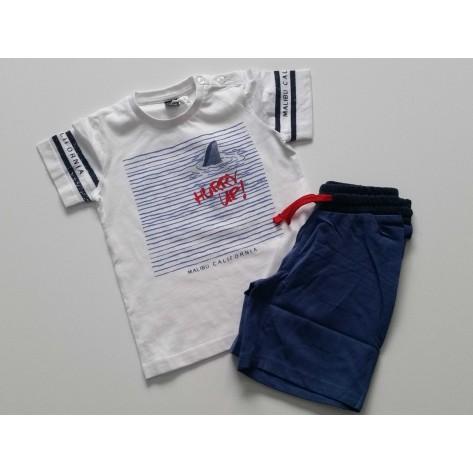 Conjunto bermuda marino y camiseta blanca hurry up