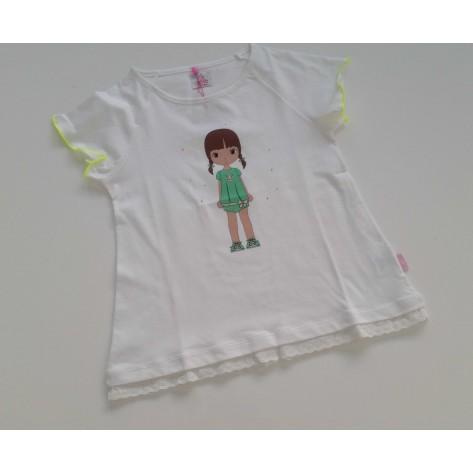 Camiseta blanca niña de pie