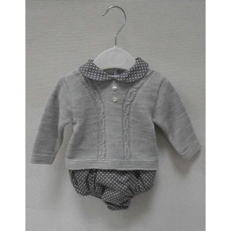 Conjunto braguita + suéter familia real gris