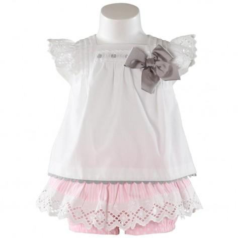 Conjunto culote rosa lunares con faldita y blusa blanca abiera
