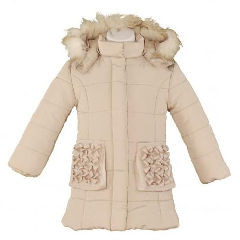 Abrigo beig plumas capucha y detalles bolsillos