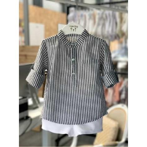 Conjunto bermuda blanca y blusa rayas gris
