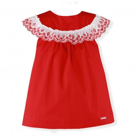 Vestido rojo cuello baberola bordado