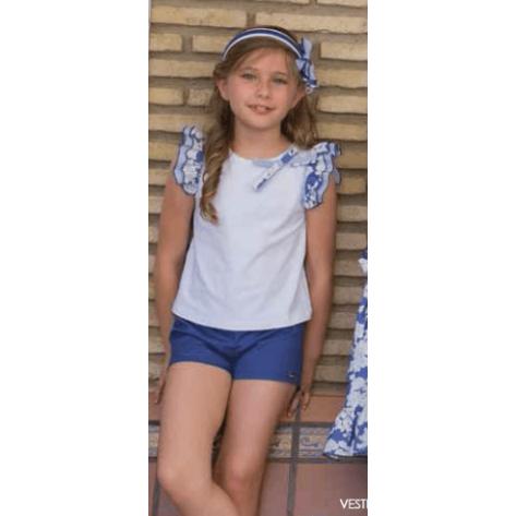 Conjunto short azulón y camiseta blanca