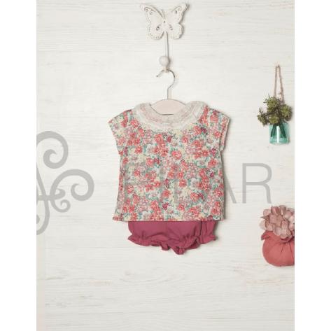 Conjunto pololo cereza y blusa flores