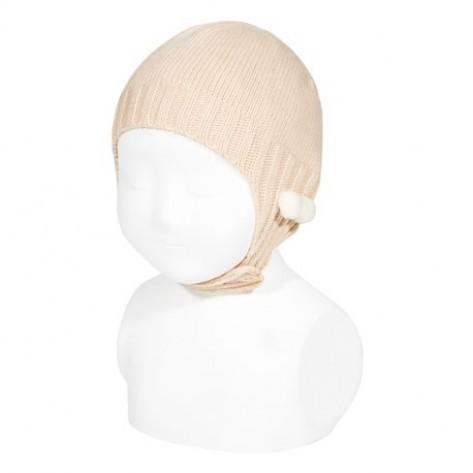 Gorro con orejeras y mini borlas color 674 nude
