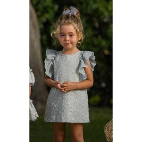 Vestido gris flores bordadas crudo volantes hombros