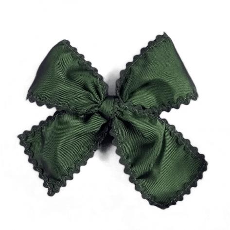 Lazo clásico ondulina verde botella al tono con pinza