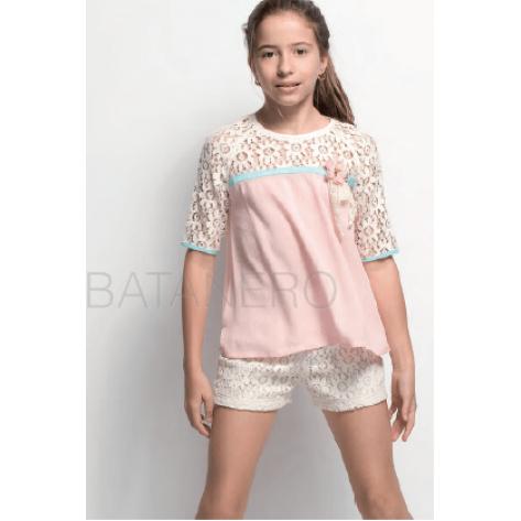 Conjunto short encaje beige y blusa rosa bambula