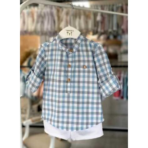 Conjunto camisa cuadros azules y bermuda blanca