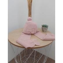Gorro con bufanda lazo rosa empolvado