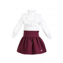 Conjunto falda granate con blusa blanca