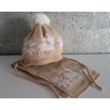 Gorro beige renos crudo y pompon + bufanda