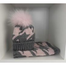 Conjunto gorro pompón pelo + cuello gris y rosa