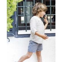 Conjunto pantalón corto gris azulado y blusa rayas