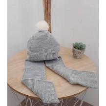 Gorro con bufanda liso gris