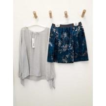 Falda terciopelo estampada + blusa gris frunce