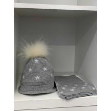 Gorro gris estrellas pompón pelo +bufanda