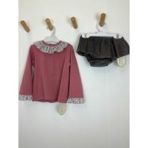 Conjunto sudadera rosa braga falda gris